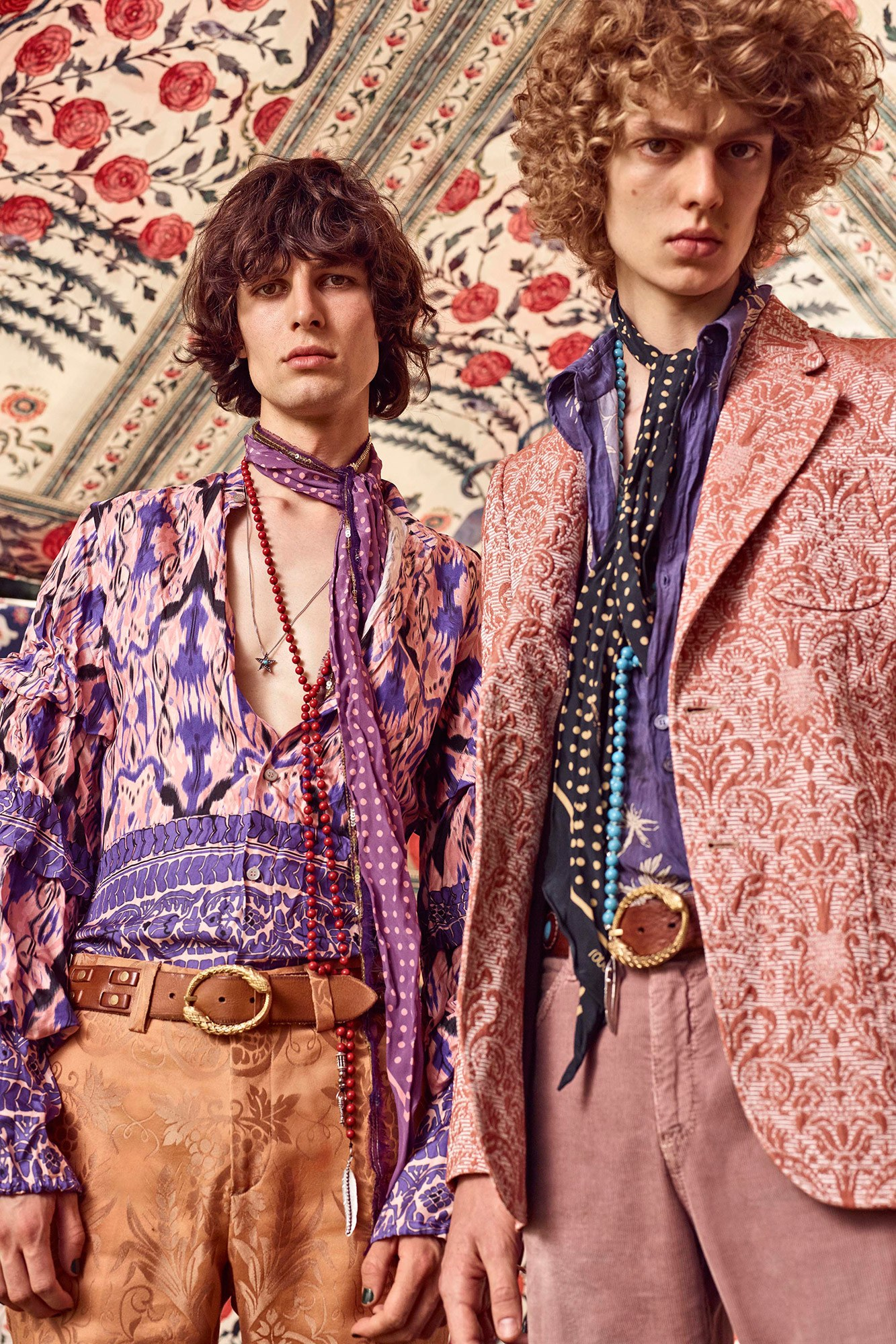 images/cast/20171000010000030=Resort 2017 COLOUR'S COMPANY fabrics x=Cavalli Uomo